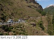 Горная автомобильная дорога Манали - Лех. Северная Индия, штат Химачал Прадеш (2011 год). Стоковое фото, фотограф Виктор Карасев / Фотобанк Лори
