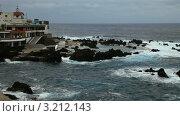 Купить «Мадейра. Порту-Мониш. Голубые волны Атлантики», видеоролик № 3212143, снято 2 февраля 2012 г. (c) Виктория Катьянова / Фотобанк Лори