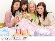 Купить «Девушки на дне рождения у подруги за столом с подарками и тортом», фото № 3230391, снято 29 января 2011 г. (c) CandyBox Images / Фотобанк Лори