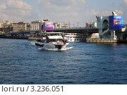 Купить «Стамбул. Вид на мост Галата», фото № 3236051, снято 4 ноября 2011 г. (c) Екатерина Шелыганова / Фотобанк Лори