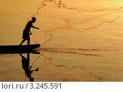 Меконг, вечерняя рыбалка (2007 год). Стоковое фото, фотограф Сергей Илясов / Фотобанк Лори