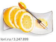 Купить «Нарезанный лимон», фото № 3247899, снято 25 апреля 2011 г. (c) Glen_Cook / Фотобанк Лори