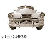 Купить «Белый старинный автомобиль на белом фоне», фото № 3249735, снято 8 июля 2011 г. (c) Сергей Яковлев / Фотобанк Лори