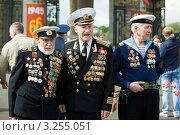 Ветераны Великой Отечественной войны. 9 мая 2011 года. Редакционное фото, фотограф Михаил Ворожцов / Фотобанк Лори