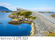 Купить «Мост в Норвегии», фото № 3275323, снято 5 августа 2011 г. (c) Дмитрий Наумов / Фотобанк Лори