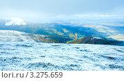 Купить «Плато в Карпатских горах с первым снегом», фото № 3275659, снято 16 октября 2011 г. (c) Юрий Брыкайло / Фотобанк Лори