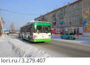 Купить «Новый городской автобус», фото № 3279407, снято 29 января 2012 г. (c) Татьяна Матвейчук / Фотобанк Лори
