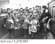 Чечня до войны. Юные танцоры на гастролях. Редакционное фото, фотограф Артур Батчаев / Фотобанк Лори