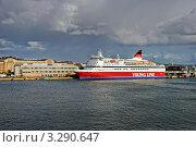 """Паром """"Viking Line"""" в порту Хельсинки (2011 год). Редакционное фото, фотограф Терещенко Марина / Фотобанк Лори"""