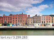 Купить «Река Лиффи и жилые здания на берегу, Дублин, Ирландия», фото № 3299283, снято 12 июня 2010 г. (c) Losevsky Pavel / Фотобанк Лори