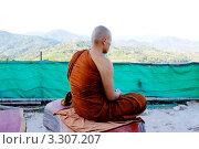 Таиландский монах медитирует (2012 год). Редакционное фото, фотограф Игорь Устюгов / Фотобанк Лори
