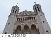 Купить «Базилика Нотр-дам де Фурвьер (Notre-Dame de Fourviere). Лион. Франция», фото № 3308143, снято 25 февраля 2012 г. (c) E. O. / Фотобанк Лори
