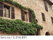 Фрагмент итальянского дома г.Асизи. Стоковое фото, фотограф Серебрякова Анастасия / Фотобанк Лори