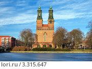 Купить «Церковь в Эскильстуне, Швеция», фото № 3315647, снято 23 февраля 2012 г. (c) Михаил Марковский / Фотобанк Лори