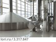 Купить «Интерьер цеха на пивоваренном заводе», фото № 3317847, снято 4 марта 2012 г. (c) Михаил Иванов / Фотобанк Лори