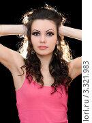 Купить «Портрет привлекательной молодой брюнетки», фото № 3321983, снято 3 апреля 2010 г. (c) Сергей Сухоруков / Фотобанк Лори