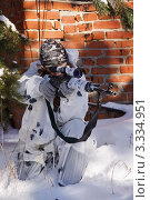 Купить «Девушка-снайпер в зимнем камуфляже с винтовкой СВД», фото № 3334951, снято 29 января 2012 г. (c) Дмитрий Черевко / Фотобанк Лори