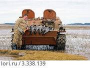 Купить «Охотник и трофеи, белощекая казарка», фото № 3338139, снято 8 октября 2010 г. (c) макаров виктор / Фотобанк Лори