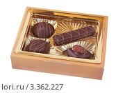 Купить «Шоколадные конфеты в коробке», фото № 3362227, снято 24 февраля 2012 г. (c) Ivan Korolev / Фотобанк Лори