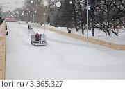 Купить «Ледозаливочные машины на ледовом катке в Парке Горького», фото № 3365327, снято 11 февраля 2012 г. (c) Владимир Горощенко / Фотобанк Лори