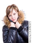 Девушка в черной зимней куртке. Стоковое фото, фотограф Станислав Мамонов / Фотобанк Лори