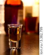 Купить «Стопка с алкогольным напитком», фото № 3382799, снято 2 марта 2010 г. (c) Дмитрий Наумов / Фотобанк Лори