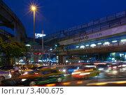 Купить «Ночной Бангкок», фото № 3400675, снято 3 октября 2011 г. (c) Виктор Савушкин / Фотобанк Лори