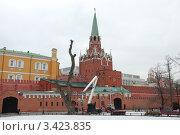 Купить «Александровский сад, Кремль. Москва», эксклюзивное фото № 3423835, снято 9 апреля 2012 г. (c) lana1501 / Фотобанк Лори
