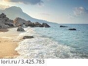 Купить «Пляж в бухте Ласпи. Крым», фото № 3425783, снято 31 июля 2011 г. (c) Константин Лабунский / Фотобанк Лори