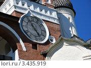Купить «Часы на звоннице Спасо-Евфимиева монастыря, Суздаль», эксклюзивное фото № 3435919, снято 11 июля 2008 г. (c) katalinks / Фотобанк Лори