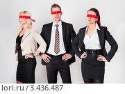 Купить «Две девушки и мужчина с завязанными красными ленточками глазами», фото № 3436487, снято 13 ноября 2010 г. (c) Андрей Попов / Фотобанк Лори