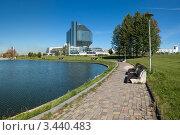 Вид на национальную библиотеку. Минск. Беларусь (2011 год). Редакционное фото, фотограф Виктор Пелих / Фотобанк Лори