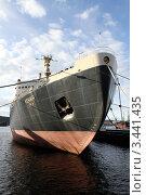 """Купить «Ледокол """"Ленин"""" в порту Мурманска», фото № 3441435, снято 3 октября 2011 г. (c) Валерий Шанин / Фотобанк Лори"""