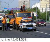 Купить «Транспорт на Щелковском шоссе. Москва», эксклюзивное фото № 3451539, снято 23 июля 2011 г. (c) lana1501 / Фотобанк Лори