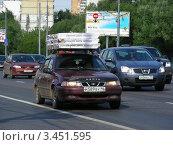 Купить «Транспорт едет по Щелковскому шоссе. Москва», эксклюзивное фото № 3451595, снято 23 июля 2011 г. (c) lana1501 / Фотобанк Лори