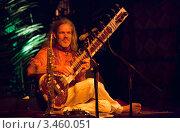 Купить «Prem Joshua. Ситар. Концерт в январе 2012. Гоа. Индия», фото № 3460051, снято 19 января 2012 г. (c) Victoria Demidova / Фотобанк Лори