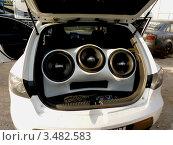 Купить «Солидная акустическая система в автомобиле», фото № 3482583, снято 1 мая 2012 г. (c) Данила Васильев / Фотобанк Лори