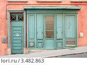 Купить «Старая дверь в Лионе», фото № 3482863, снято 13 марта 2008 г. (c) Дмитрий Наумов / Фотобанк Лори