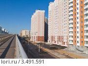 Купить «Москва. Проспект Защитников Москвы», фото № 3491591, снято 28 апреля 2012 г. (c) Lora / Фотобанк Лори