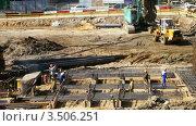Купить «Рабочие на стройке», видеоролик № 3506251, снято 14 сентября 2008 г. (c) Losevsky Pavel / Фотобанк Лори