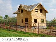 Строительство деревянного дома из бруса (2012 год). Стоковое фото, фотограф Елена Коромыслова / Фотобанк Лори