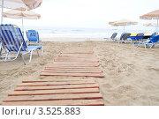 Выход на пляж (2009 год). Редакционное фото, фотограф Денис Шелехов / Фотобанк Лори
