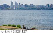 Купить «Рыбалка. Река Днепр. Днепропетровск», фото № 3528127, снято 18 мая 2012 г. (c) Несинов Олег / Фотобанк Лори