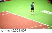 Купить «Выступление Николая Давыденко на Кремлевском Кубке по теннису, 2008 год», видеоролик № 3529007, снято 16 октября 2008 г. (c) Losevsky Pavel / Фотобанк Лори
