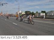 Купить «Москва, 20 мая. Велопарад «Let's bike it!»», эксклюзивное фото № 3529495, снято 20 мая 2012 г. (c) lana1501 / Фотобанк Лори