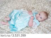 Красивая маленькая девочка в платье. Стоковое фото, фотограф Sasha Snegireva / Фотобанк Лори