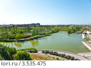 "Озеро в ""Биопарке"", валенсия, Испания (2012 год). Редакционное фото, фотограф юлия заблоцкая / Фотобанк Лори"