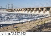 Купить «Жигулёвская ГЭС», фото № 3537163, снято 9 мая 2012 г. (c) Акиньшин Владимир / Фотобанк Лори