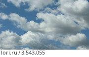 Купить «Облака  в небе», видеоролик № 3543055, снято 15 октября 2009 г. (c) Losevsky Pavel / Фотобанк Лори