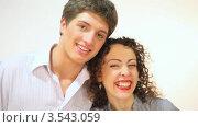 Купить «Счастливая пара», видеоролик № 3543059, снято 14 октября 2009 г. (c) Losevsky Pavel / Фотобанк Лори